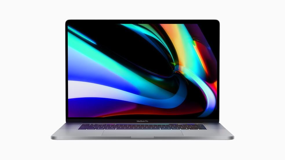 MacBook Pro tem tela um pouco maior, novo teclado e hardware atualizado — Foto: Divulgação/Apple