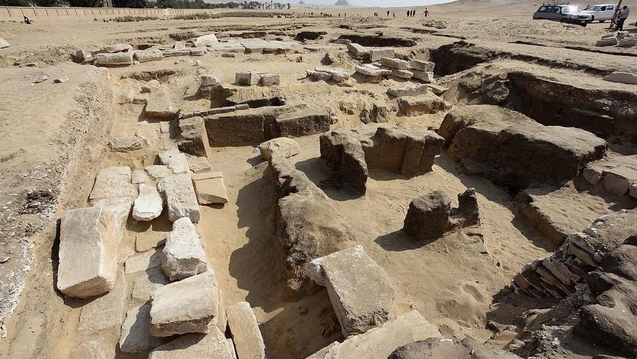 Restos do templo onde Ramsés II viveu (Foto: Ministério de Antiguidades do Egito)
