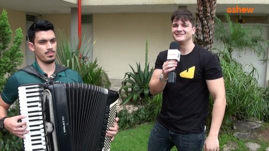 Eric Land fala sobre música gravada em parceria com Gabriel Diniz