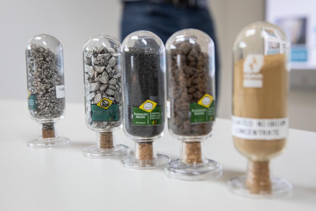 Para cada 1 tonelada de minério extraída em Araxá, são produzidos 15 kg de ferronióbio. São necessárias várias etapas para se chegar aos produtos finais, incluindo concentração, refino e metalurgia — Foto: Fábio Tito/G1