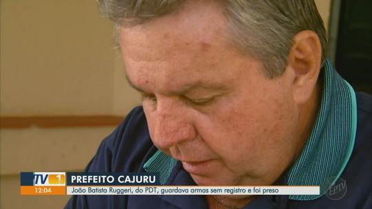 Prefeito de Cajuru, SP, é preso por posse ilegal de arma em operação da Polícia Civil