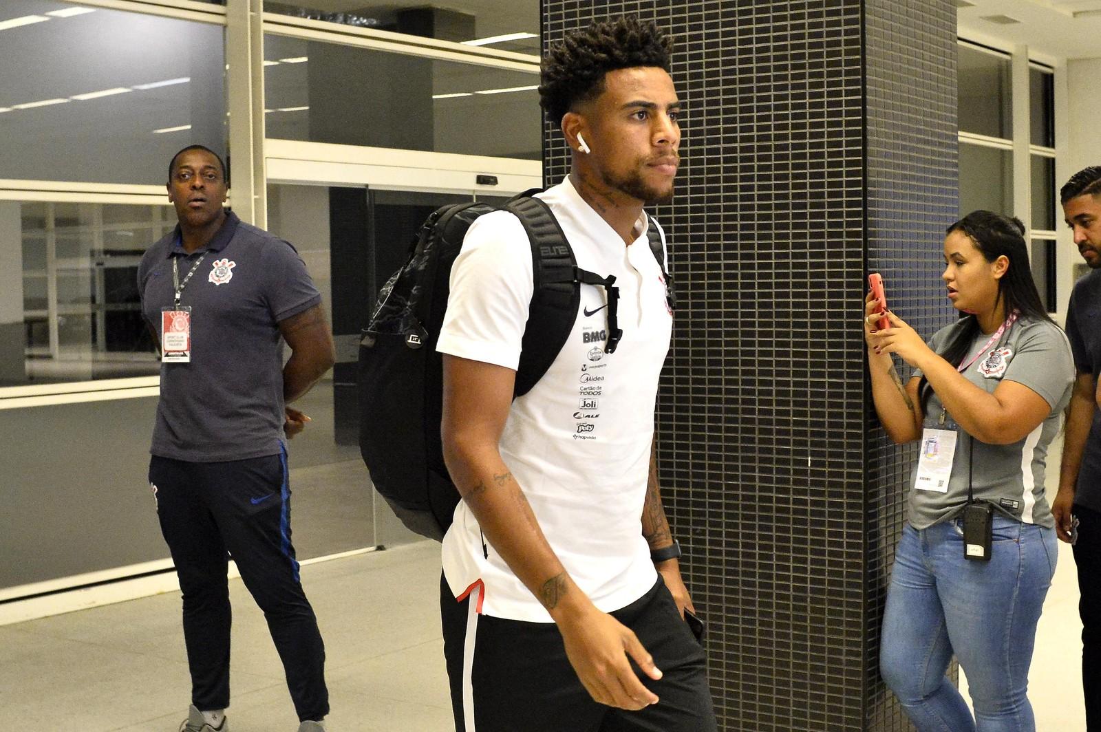 Técnico e diretor do Corinthians confirmam e explicam saída de Gustagol para o Internacional