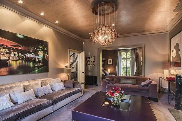 Noel Gallagher dá desconto de mais de R$ 2 milhões para quem comprar sua mansão