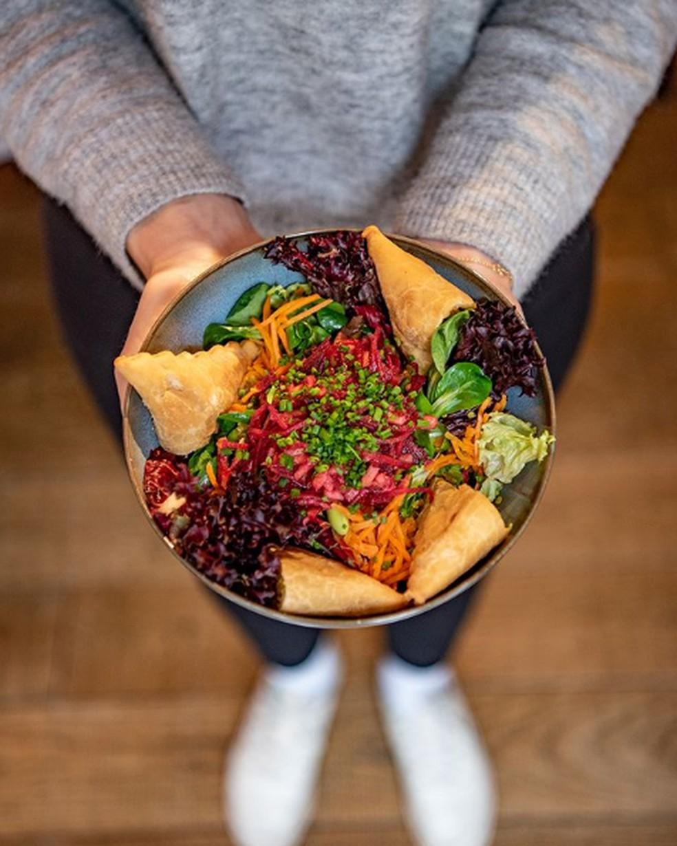 Quando os sabores indianos foram introduzidos no cardápio em 1951, o Haus Hiltl finalmente decolou — Foto: Reprodução/Instagram