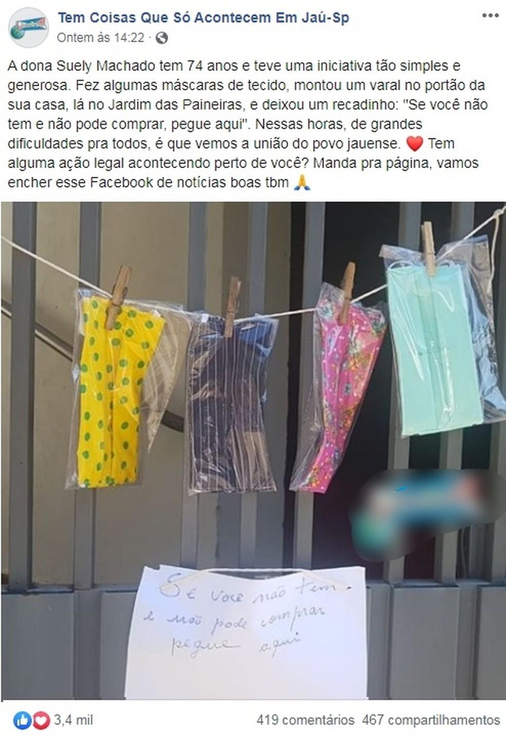 Moradora de Jaú doa máscaras em varal improvisado no portão de casa — Foto: Reprodução/Facebook