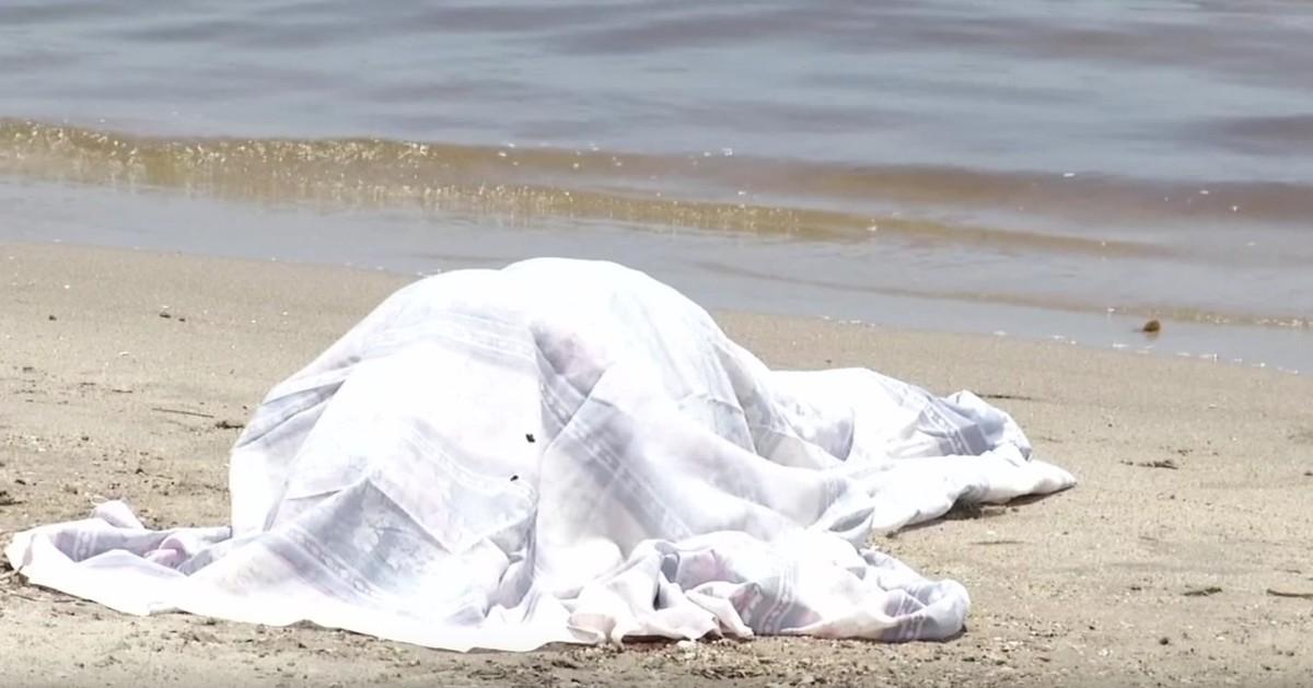 Homem é encontrado morto na Praia da Monsuaba, em Angra dos Reis, RJ