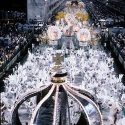 """Desfile da Imperatriz com o enredo """"Liberdade, Liberdade, Abre as Asas sobre Nós"""""""
