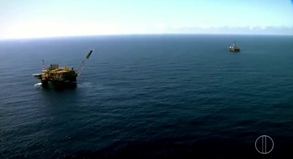 Exploração de petroleo na Bacia de Campos — Foto: Reprodução/TV Globo