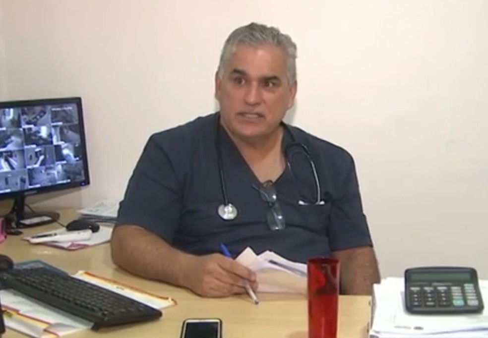 Médico Paulo Marcelino Andreolli Gonçalves, conhecido como 'Doutor Faz-Tudo' — Foto: Reprodução RPC