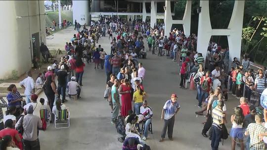 Último dia para transferir, atualizar ou emitir o título eleitoral tem filas e tumultos pelo país