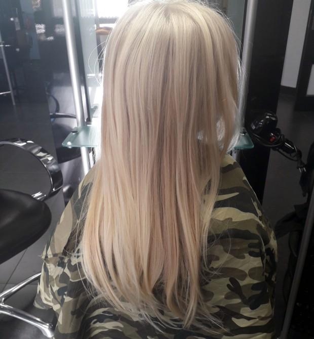 Como era o cabelo da menina antes do corte (Foto: The Sun)