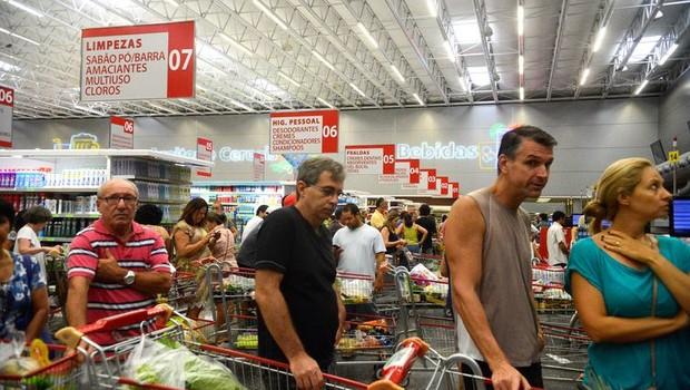 Índice de Confiança do Consumidor caiu 1,5 ponto de março para abril    (Foto: Arquivo/Tânia Rêgo/Agência Brasil)