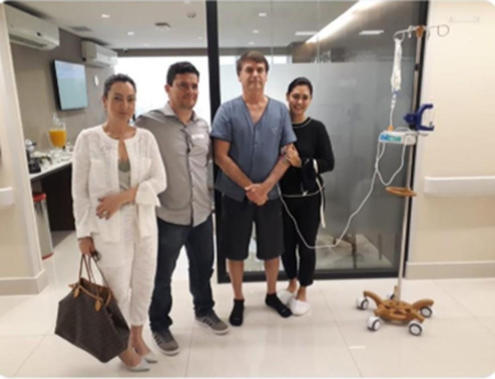 O ministro Sérgio Moro em visita ao presidente Bolsonaro no hospital  — Foto:  Reprodução/ Twitter