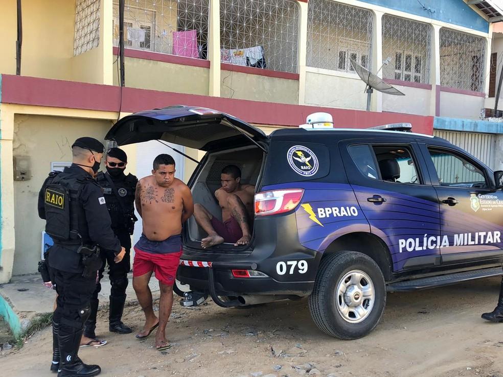 Criminosos são presos durante operação policial no Ceará — Foto: Mateus Ferreira/SVM
