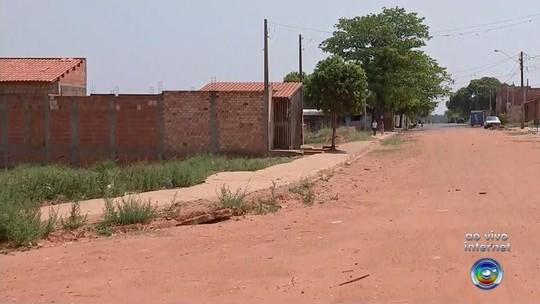 Moradores reclamam de obras paradas em bairros de Bauru