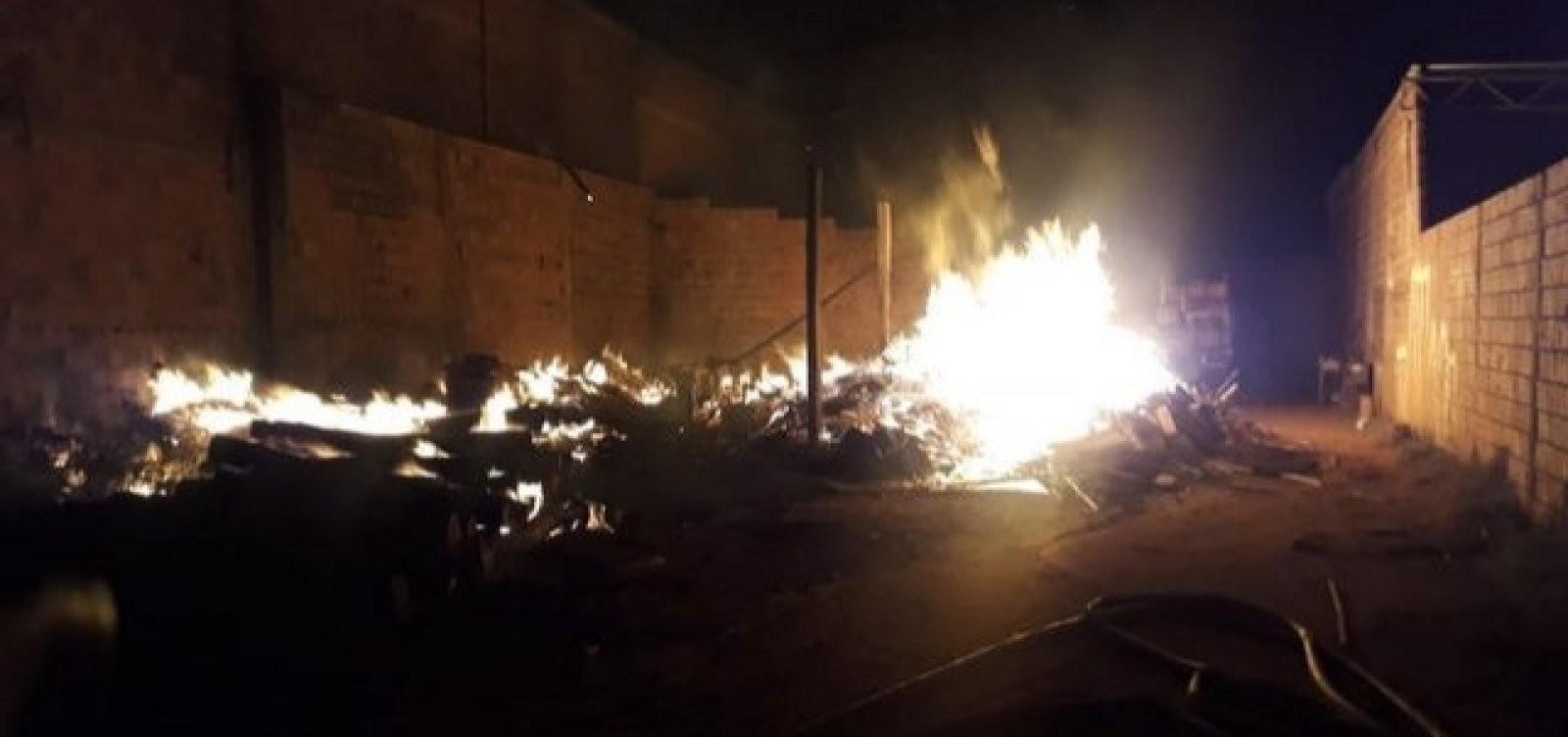 Serraria fica destruída após ser atingida por incêndio no sudoeste da Bahia