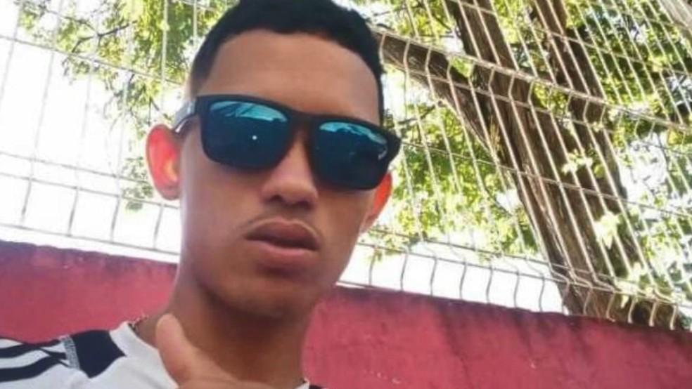 Adolescente de 16 anos, que morreu após ser baleado por advogado, foi identificado como Celino. — Foto: Reprodução/TV Gazeta