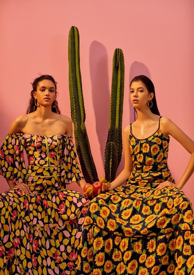 A partir da esquerda, top e saia Anne Fernandes (R$ 1.098 o conjunto) e vestido Amissima (R$ 658). Brincos Jack Vartanian (R$ 2.250 e R$ 2.520) (Foto: Ivan Erick)