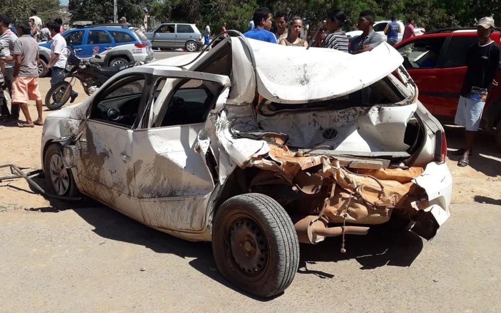 Um dos carros que foi atingido pela carreta no acidente em Seabra, na Chapada Diamantina â?? Foto: Nilson Santos/Blog Liberdade Bom Sucesso
