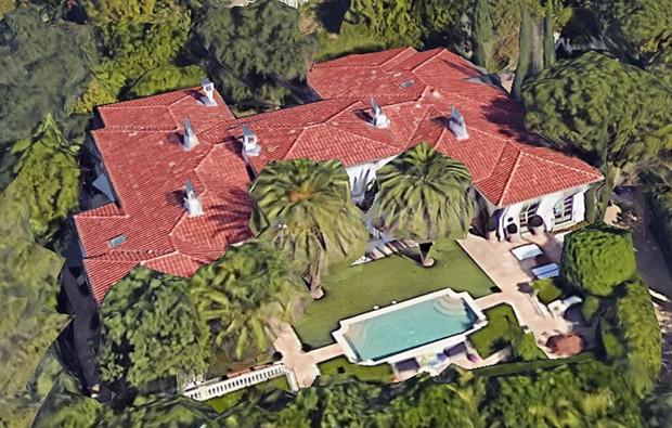 Mansão dos Beckham é vendida por 33 milhões de dólares (Foto: Google Earth)