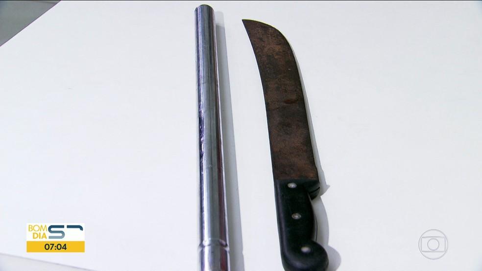Criminosos usaram barra de ferro e facão para agredir torcedor palmeirense (Foto: Reprodução/TVGlobo)