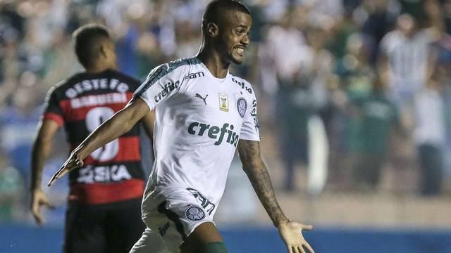 Felipe Pires festeja o gol do Palmeiras