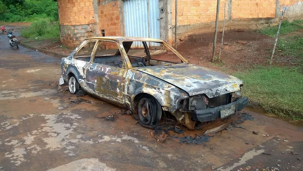 Carro ficou destruído — Foto: Bruno Lima / Inter TV