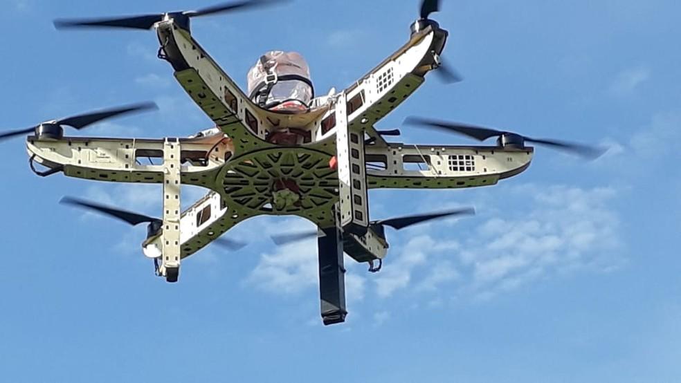 Drone consegue cobrir uma área de 10 mil metros quadrados em apenas 10 minutos — Foto: MP-MT