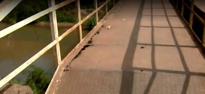 Ponte com estrutura precária dificulta o acesso de idosos e cadeirantes em bairro de Rio Claro - Notícias - Plantão Diário