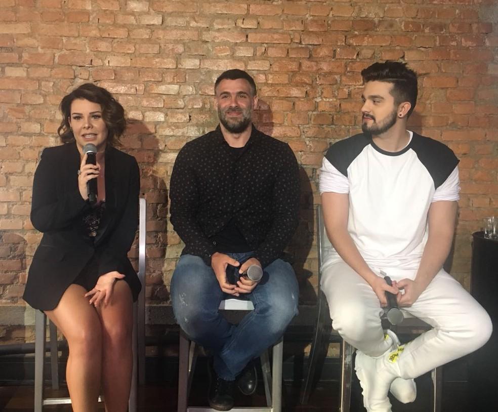 Na coletiva de imprensa, Fernanda brincou que precisa se controlar quando tem funk no programa (Foto: Duda Freitas/Gshow)
