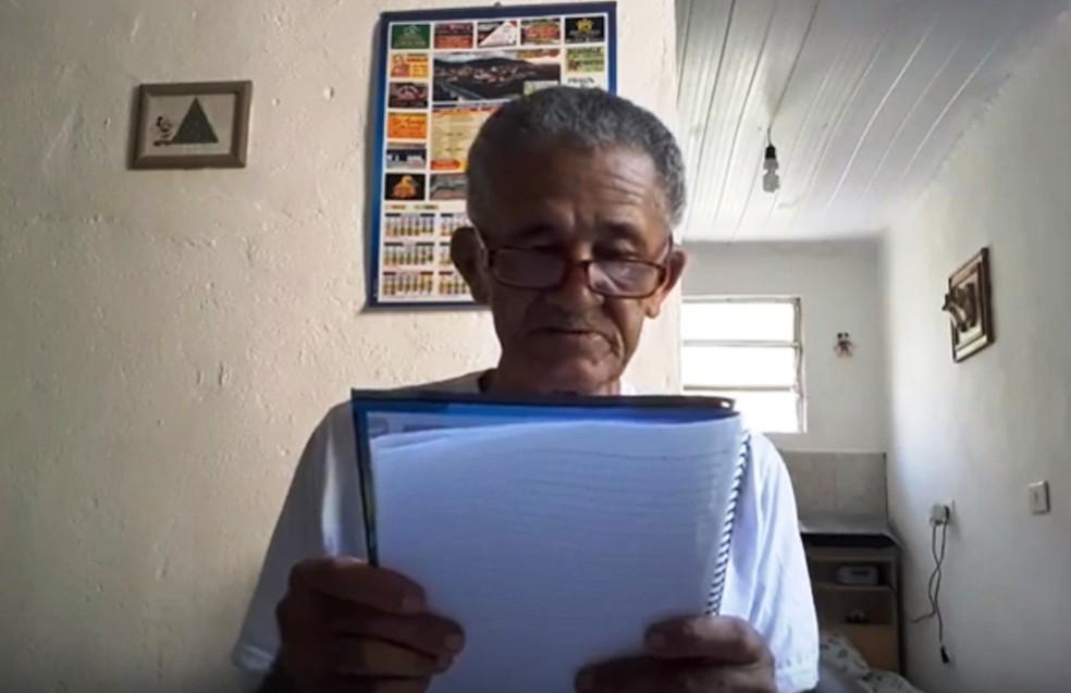 Nilson destaca que muitas vezes gosto de anotar em um caderno os comentários das pessoas — Foto: Reprodução