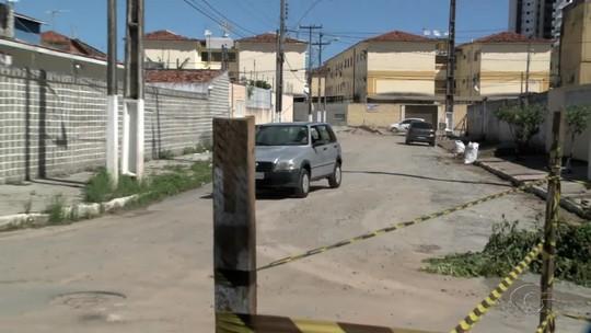 Moradores temem que trânsito piore rachaduras em rua
