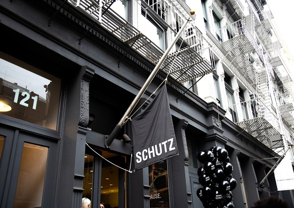 Abertura da nova Schutz SoHo em Nova York  (Foto: Collins Nai/BFA.com)