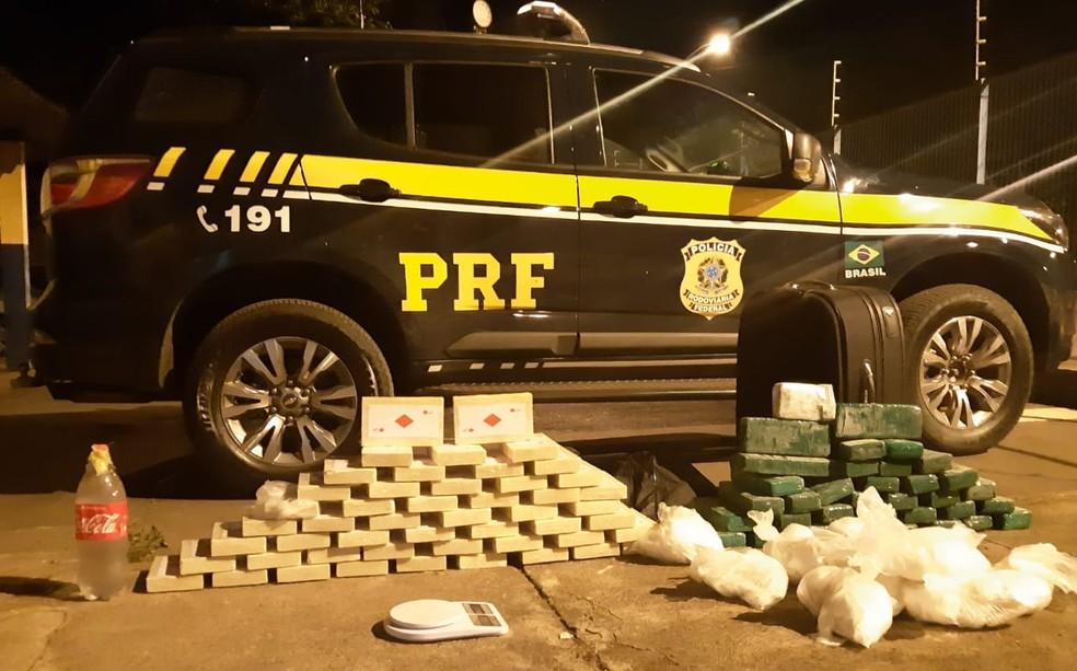 Quase 90 kg de drogas são apreendidos em ônibus de banda na BR-365 em Patos de Minas; quatro suspeitos foram presos | Triângulo Mineiro | G1