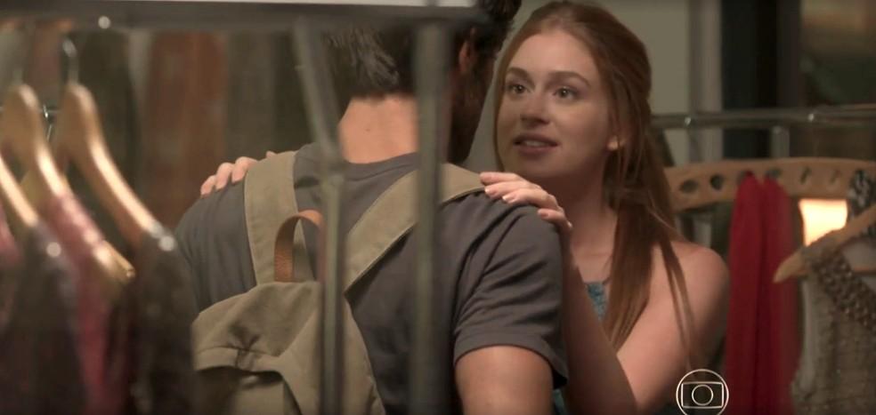 Os dois prometem que vão ficar juntos — Foto: TV Globo