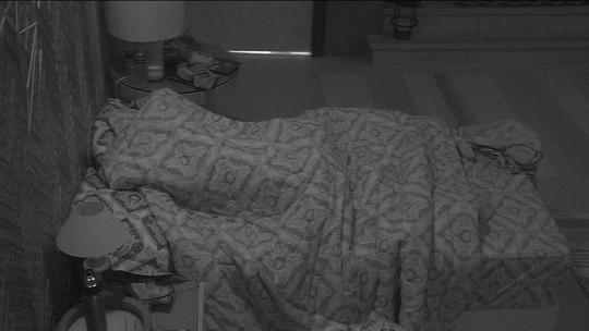 Após Prova do Anjo, todos dormem no BBB18