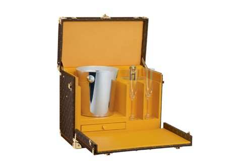 Case luxuoso de champanhe Louis Vuitton, R$ 79.500