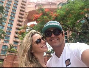 Marcelo Moreno faz aniversário e ganha declaração de amor da noiva