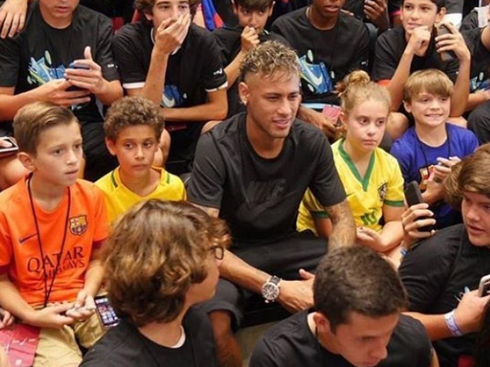 Neymar participou de um evento em Miami, nesta sexta, e ainda não falou sobre seu futuro no Barcelona (Foto: Reprodução)