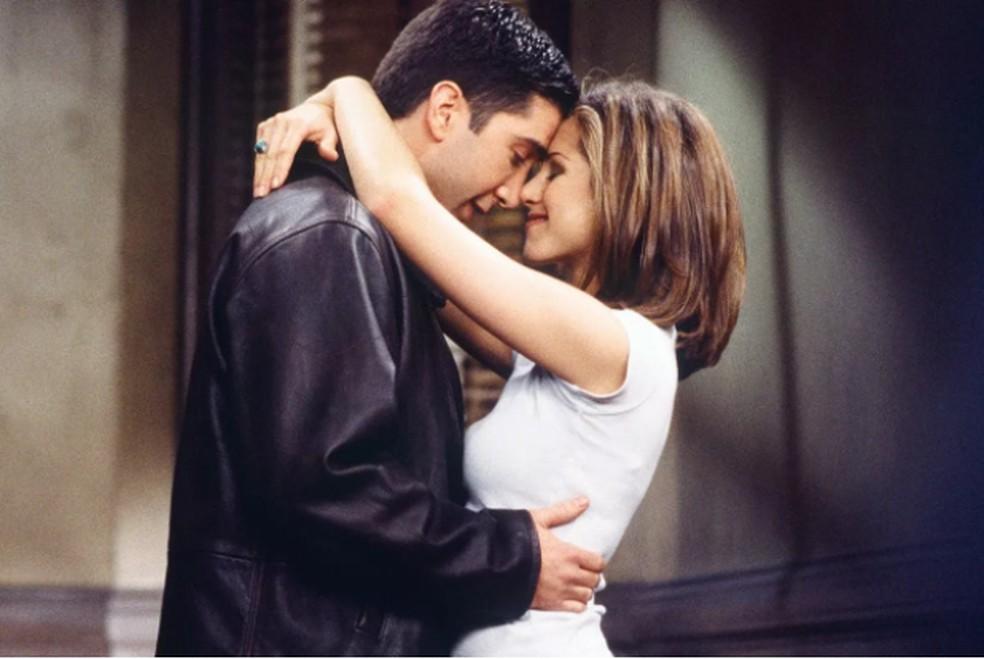 David Schwimmer e Jennifer Aniston confessam paixão nos bastidores da série 'Friends' — Foto: Divulgação