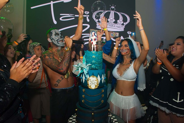 Tati Zaqui celebra 24 anos (Foto: Samuel Chaves/Brazil News)