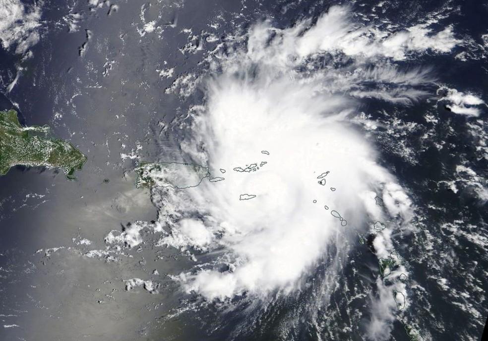 Imagem por satélite do furacão Dorian perto de São Tomás e das Ilhas Virgens dos EUA — Foto: Divulgação/NASA Worldview