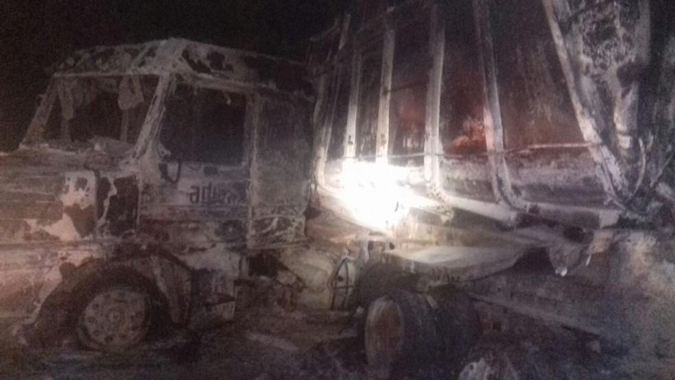 Com a batida, houve várias explosões (Foto: PRF/Divulgação)