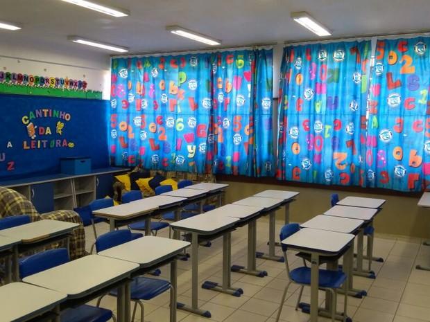 Além da falta de professores, colégio estadual Moradias Monteiro Lobato tem poucos funcionários (Foto: Getúlio Della Torres Júnior/Arquivo Pessoal)