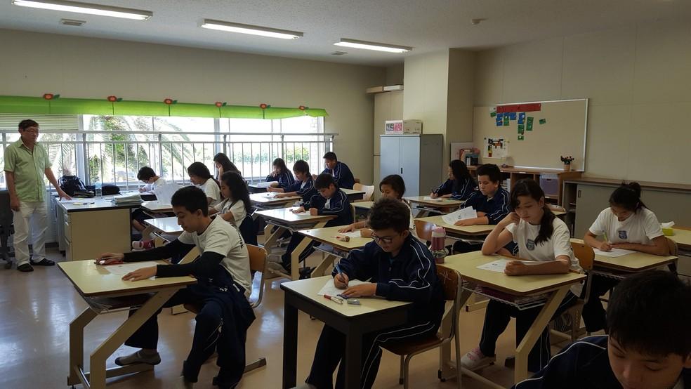Alunos de escola Mundo de Alegria, no Japão. — Foto: Divulgação