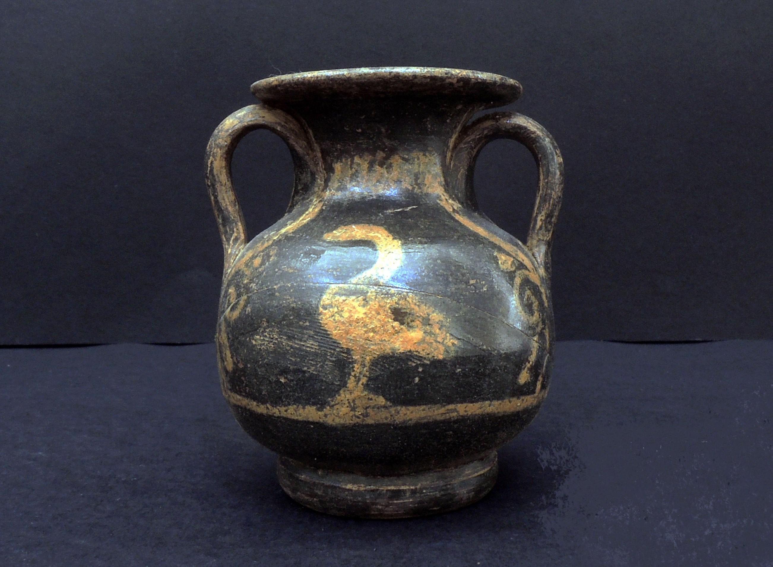 Vaso encontrado no sítio arqueológico (Foto: S OPRINTENDENZA SPECIALE DI ROMA)