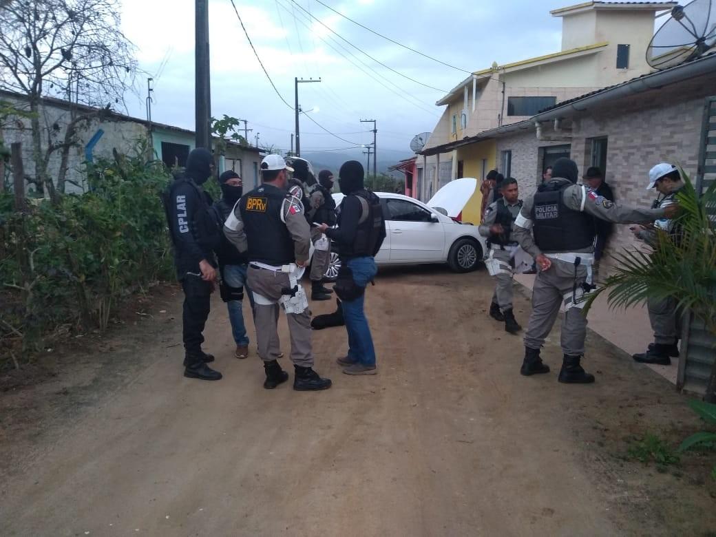 Operação policial cumpre mandados de busca e apreensão em Chã Preta, AL - Notícias - Plantão Diário