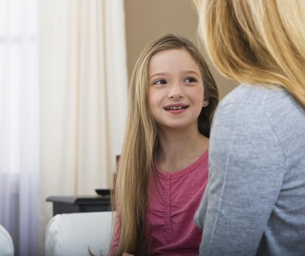 criança fala mãe (Foto: Thinkstock)
