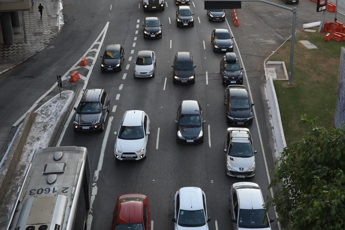 Rodízio de veículos continua suspenso em SP mesmo após cancelamento da greve dos metroviários – G1