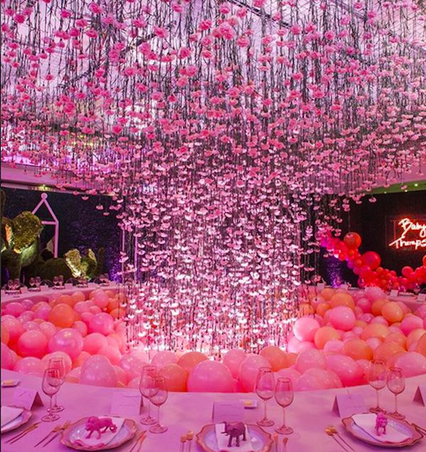 A decoração do chá de bebê de Khloé Kardashian (Foto: Instagram)